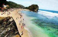 Go Indonesia ::Indrayanti Beach, the Most Romantic Beach in Gunung Kidul
