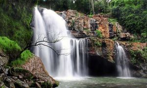 Tegunungan Waterfall